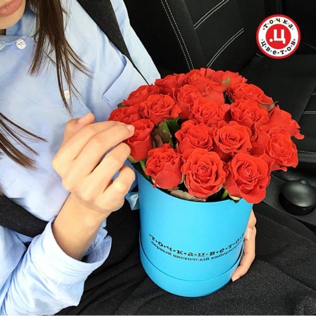 Розы в шляпной коробке S